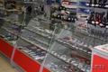 Прилавки для магазина из стекла и ЛДСП
